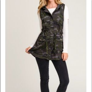 Camouflage vest (tunic length)